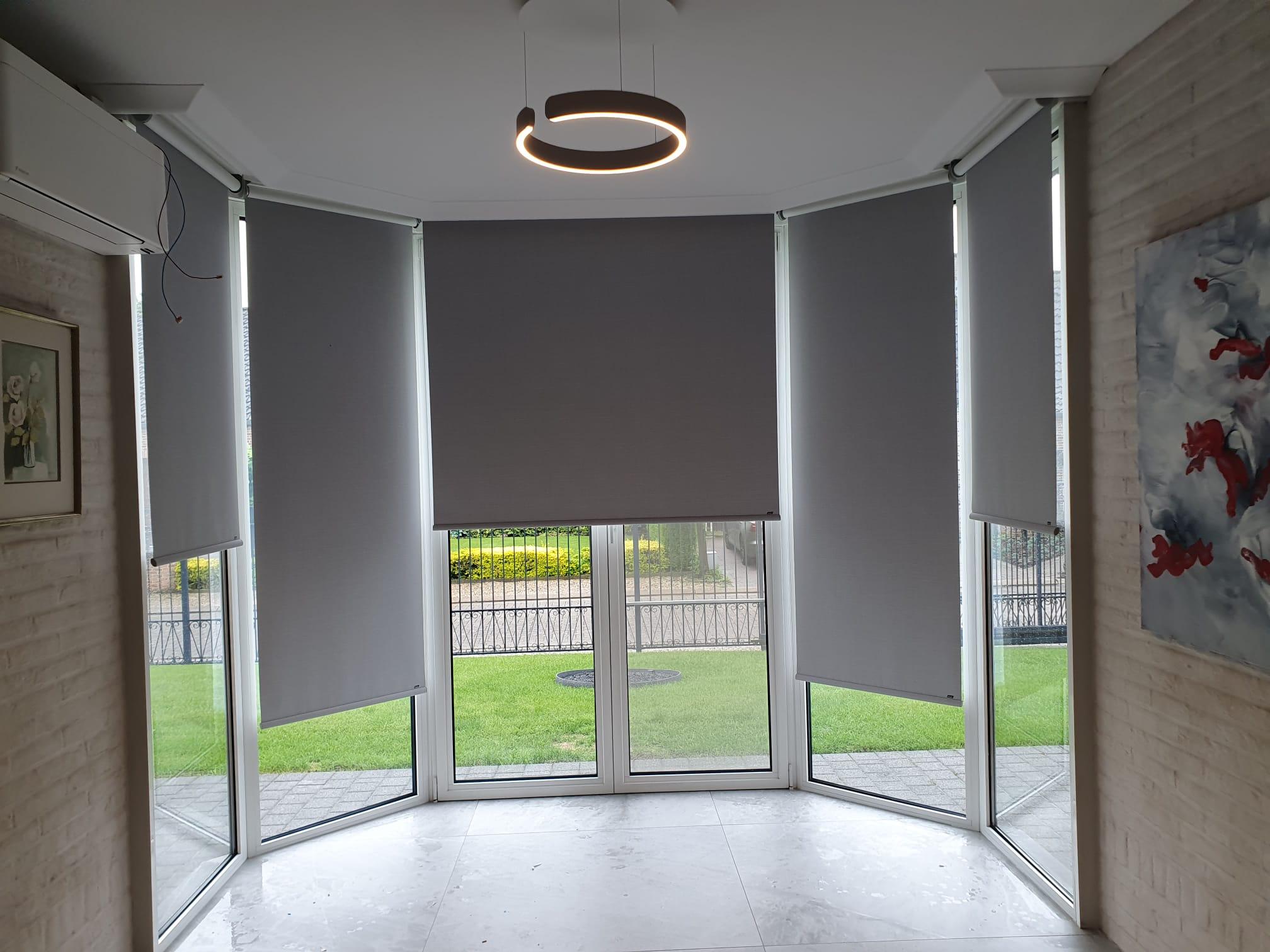 luxaflex | jalozie | zonnewering | raamdecoratie | badkamer | venster |